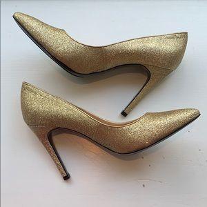 Isaac Mizrahi NY Lamist Gold Glitter Pumps